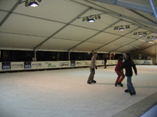 The Verviers city ordered this marquee to protect a skating.