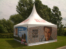 This Schreiber aluminium pagoda was painted with four-colour printing on BEL RTL's demand