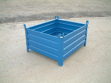 You have here a piece transport container with full partitions