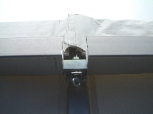 You have here a tightening nut system which joints two aluminium gutters