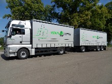 Curtain side truck trailer